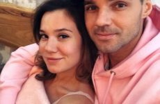 Жена Артема Алексеева призналась, что муж бил ее и много лет изменял с известной актрисой