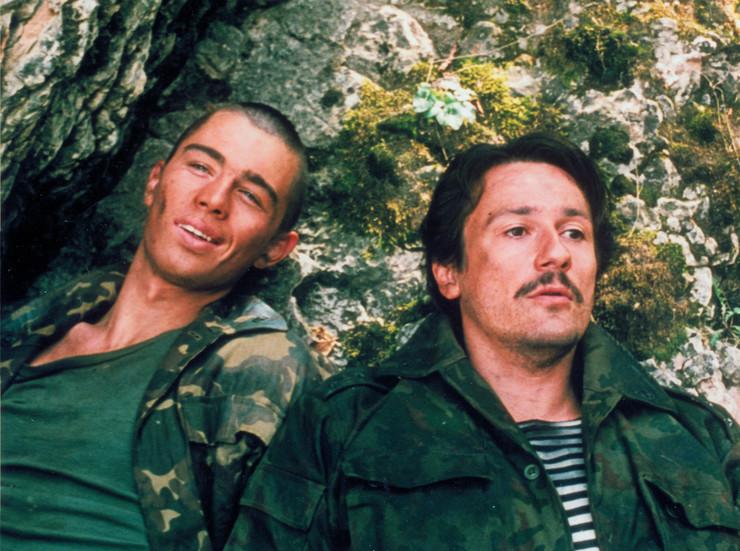 Партнером Бодрова по фильму «Кавказский пленник» был Олег Меньшиков