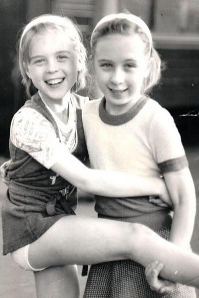 Лика Павлова росла с сестрой Кристиной