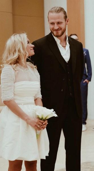 Прошлым летом Телегин закрутил роман с Марией Гончар, на которой женился в конце августа