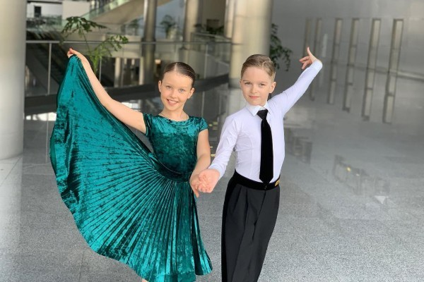 Старшая дочь Юлии Пересильд занимается бальными танцами