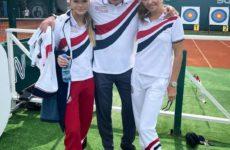 Дмитрий Песков с женой и дочерью Лизой устроил разминку для москвичей