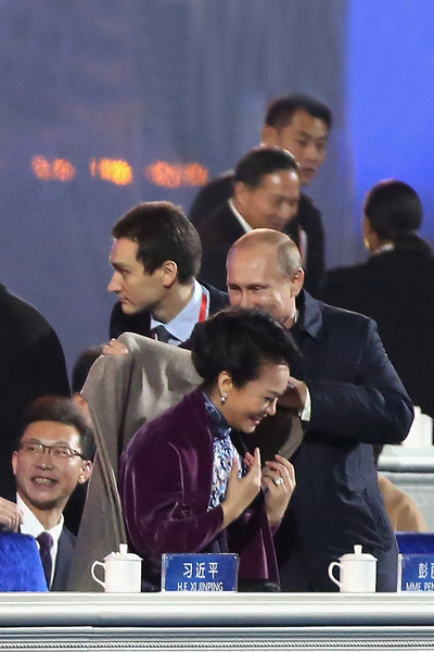 Галантный поступок Путина на саммите АТЭС в Пекине произвел неизгладимое впечатление на китаянок