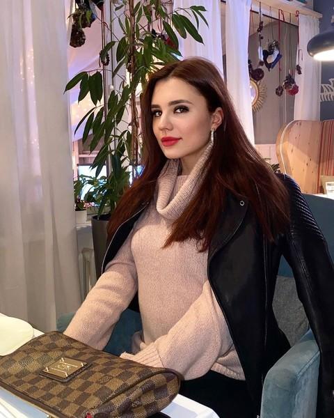Мария Захарова уверяет, что Роман домогался ее
