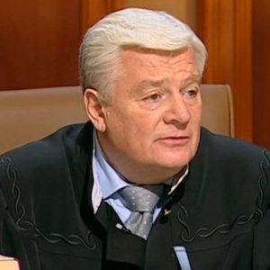 Скончался судья Валерий Степанов из передачи «Суд присяжных»