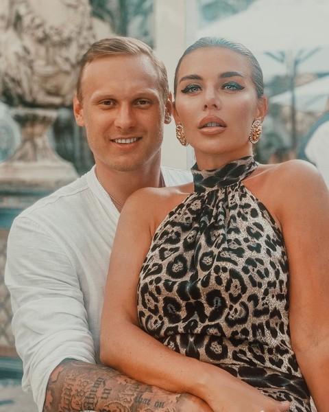 Анна Седокова с супругом