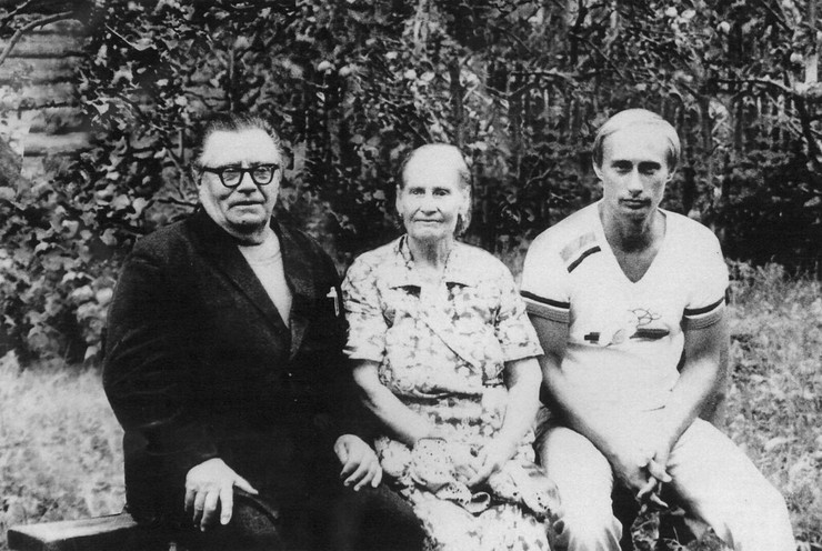 Родители были для Владимира Владимировича примером для подражания