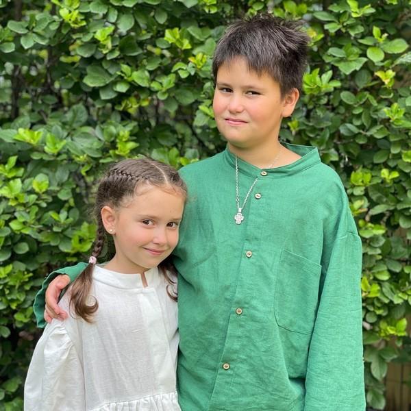 Сыну Тимофею восемь лет, а дочке Мие — пять