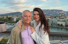 Невеста в мини, вокал Контридзе и шутки Собчак: предсвадебная вечеринка экс-сенатора – видео
