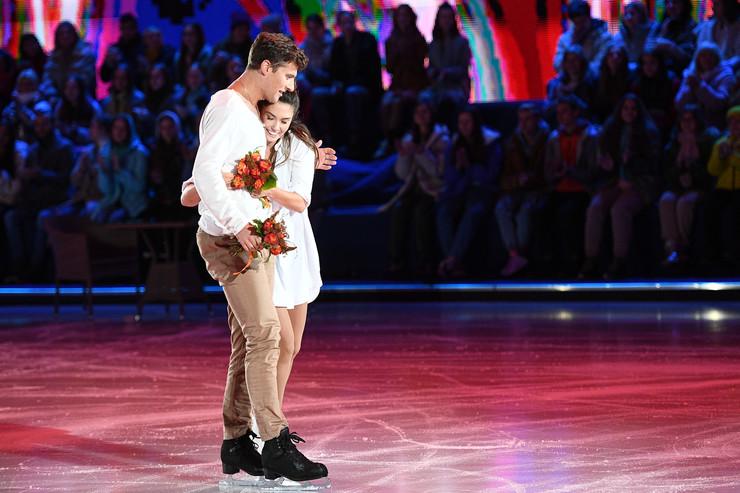 Под песню «Гравитация» в исполнении Елены Ваенги и Интарса Бусулиса пара откатала чувственный номер, который вызвал громкие аплодисменты зала
